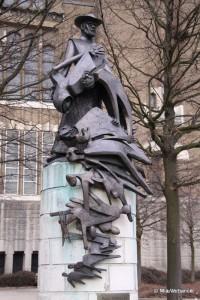 Damiaanbeeld May Claerhout, Koekelberg - copyright Mia Verbanck